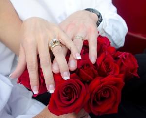 1362457_roses_n_rings